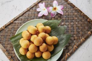 カイムカイノッククラター(タイのうずら型のサツマイモのお菓子)の写真素材 [FYI04663289]