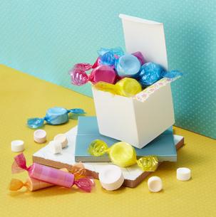 ラムネ (Ramune soda fizzy candy)の写真素材 [FYI04663370]