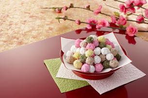 雛祭り 五色豆の写真素材 [FYI04663423]