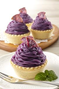 紫芋のモンブラン(桜島紫)の写真素材 [FYI04663446]