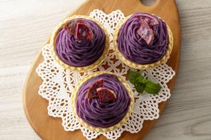 紫芋のモンブラン(桜島紫)の写真素材 [FYI04663453]