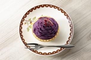 紫芋のモンブラン(桜島紫)の写真素材 [FYI04663460]