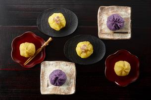 茶巾絞り(安納芋、桜島紫、紅はるか)の写真素材 [FYI04663488]