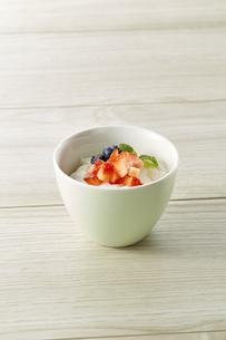 ヨーグルト (yogurt)の写真素材 [FYI04663532]