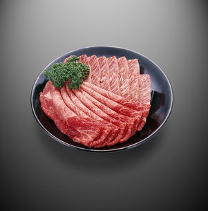和牛すきしゃぶ・焼肉用(肩肉、バラ肉)の写真素材 [FYI04663593]