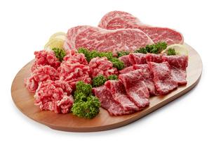 国産牛肉 (ステーキ、焼肉、切り落とし)の写真素材 [FYI04663666]