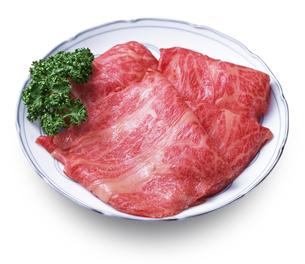 すき焼き用牛肉(切り抜き+影あり)の写真素材 [FYI04663668]