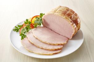 ロースハム (pork loin ham)の写真素材 [FYI04663806]