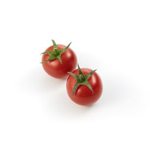 ミニトマト二個-バック飛ばし-影イキの写真素材 [FYI04664961]