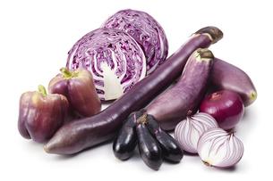 紫野菜(バック飛ばし、影イキ)の写真素材 [FYI04665035]