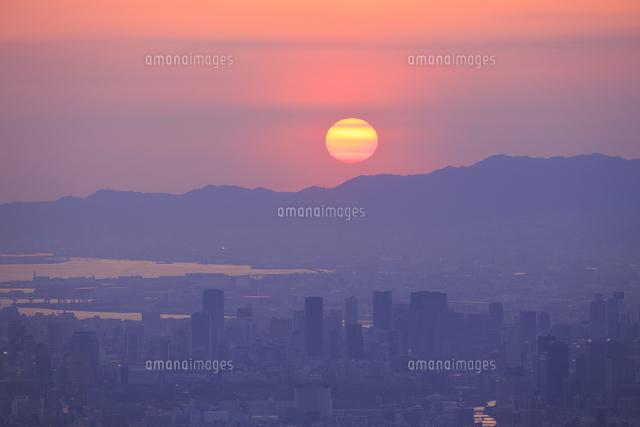 生駒山上からの素晴らしい夕景の写真素材 [FYI04665150]