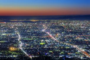 信貴生駒スカイラインからの眺め 夜景の写真素材 [FYI04665157]