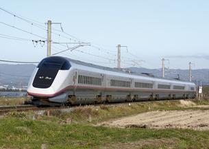 秋田新幹線E3系 こまちの写真素材 [FYI04665542]