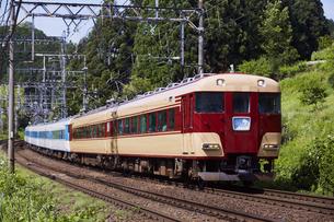 近鉄15200系 あおぞらⅡ 復刻塗装車の写真素材 [FYI04665552]