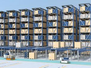 大型自動物流センターのインテリアイメージ。AGV無人搬送車、無人運転フォークリフトによる効率化の写真素材 [FYI04665765]