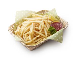 フライドポテト(シューストリング) French friesの写真素材 [FYI04666053]