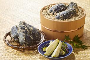 水ナスのぬか漬け (pickled water eggplant)の写真素材 [FYI04666094]