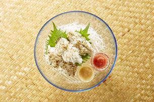 炙り鱧 (boiled conger pike)の写真素材 [FYI04666097]