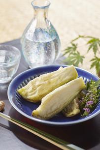 水ナスのぬか漬け (pickled water eggplant)の写真素材 [FYI04666099]