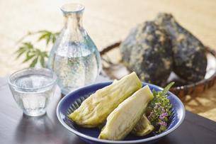 水ナスのぬか漬け (pickled water eggplant)の写真素材 [FYI04666107]