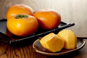刀根柿 (Japanese persimmon)の写真素材 [FYI04666147]