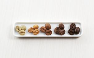 いろんな種類のコーヒー豆の写真素材 [FYI04666157]