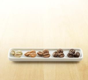 いろんな種類のコーヒー豆の写真素材 [FYI04666171]