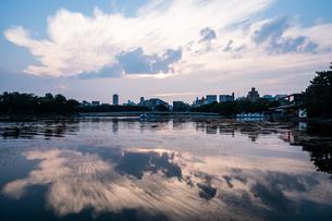 大濠公園夕景の写真素材 [FYI04666489]