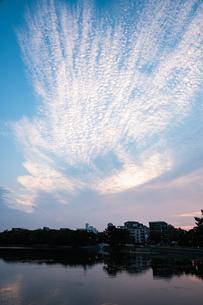 大濠公園夕景の写真素材 [FYI04666490]