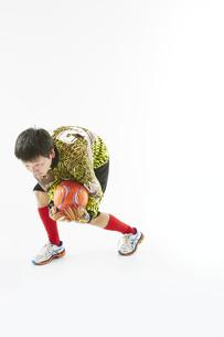 ボールを止めるゴールキーパーの写真素材 [FYI04666783]