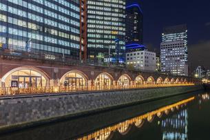 神田万世橋 東京夜景の写真素材 [FYI04667043]