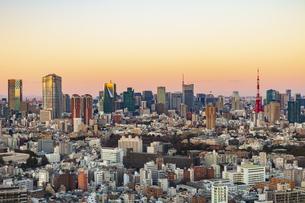 東京都市夕景の写真素材 [FYI04667092]
