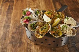 牡蠣食べ比べの写真素材 [FYI04667307]