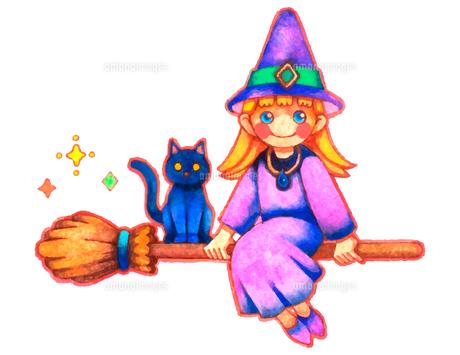 箒に乗って空を飛ぶ魔女と黒猫のイラスト素材 [FYI04667617]