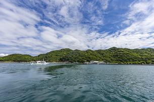 鳴門観光港へ寄港するクルーズ船の写真素材 [FYI04667657]