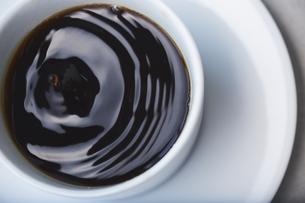 ドリップされたコーヒーの写真素材 [FYI04667804]
