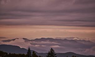 美ヶ原高原からの夕暮れの写真素材 [FYI04668326]
