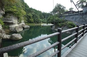 福島県南会津塔のへつりの橋の写真素材 [FYI04668883]