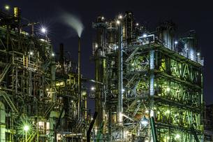 川崎工場夜景 JXTGエネルギー前の写真素材 [FYI04669203]
