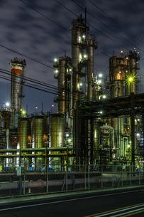 川崎工場夜景 東亞合成川崎工場前の写真素材 [FYI04669204]