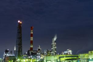 川崎工場夜景 水江運河前 ②の写真素材 [FYI04669205]