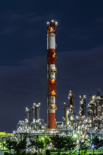 川崎工場夜景 水江運河前の写真素材 [FYI04669207]