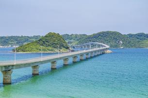 本土と角島を繋ぐ海士ヶ瀬ロードの写真素材 [FYI04669454]