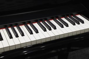 ピアノの鍵盤の写真素材 [FYI04669540]