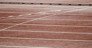 陸上競技のレーンの写真素材 [FYI04669543]