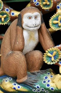 神厩舎 猿の彫刻13の写真素材 [FYI04669873]