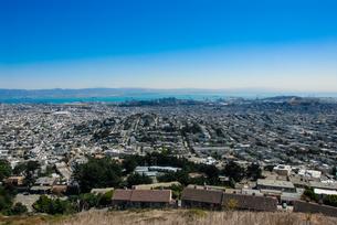 ツインピーク展望台からサンフランシスコの街並みの写真素材 [FYI04670760]