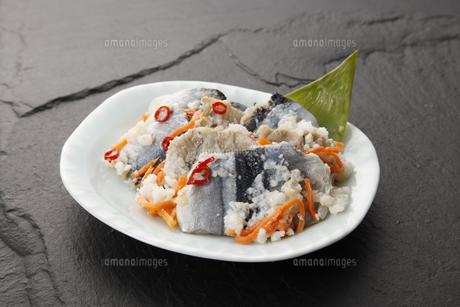 秋刀魚の飯寿司の写真素材 [FYI04671170]