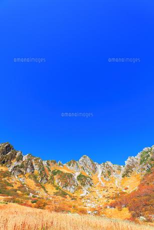 秋の中央アルプス千畳敷カールの写真素材 [FYI04671177]