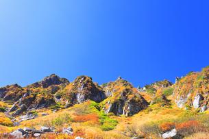秋の中央アルプス千畳敷カールの写真素材 [FYI04671182]